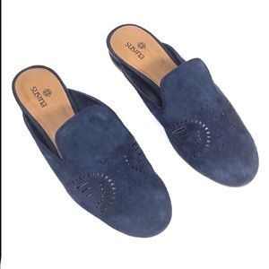 Susina blue suede slip-on flat Loafer mules 5.5